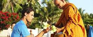 Rafael Nadal bezoekt monniken