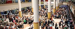 Luchthaven Phuket barst uit z'n voegen