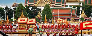 Koninklijke Processie met boten in Bangkok