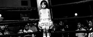 Indrukwekkende fotoserie: 6 jaar oude Muay Thai vechters